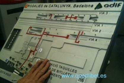 Plano tactil braille ADIF Rodalies Catalunya Badalona 3
